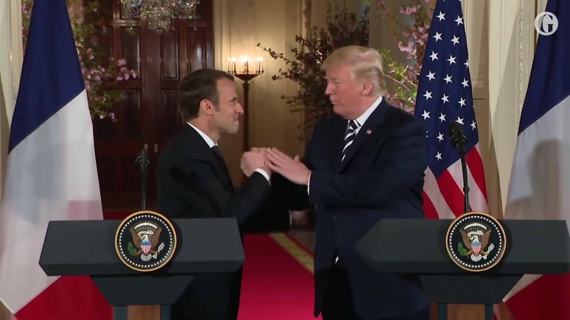 Trump và Macron tái hiện cú bắt tay 'đọ quyền lực'