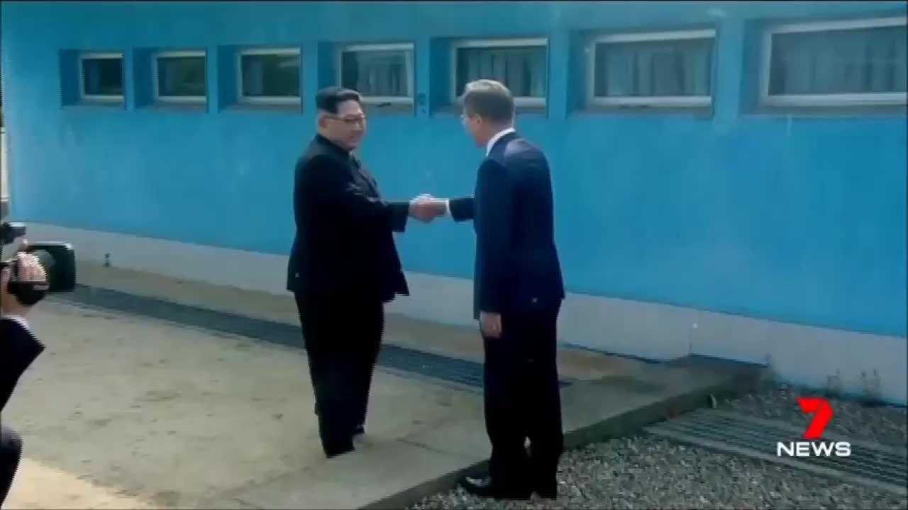 Kim Jong-un bước chân qua giới tuyến liên triều