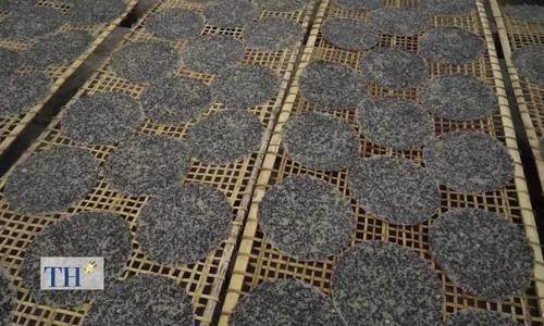 Làng nghề làm bánh đa vừng đen 300 tuổi xứ Nghệ