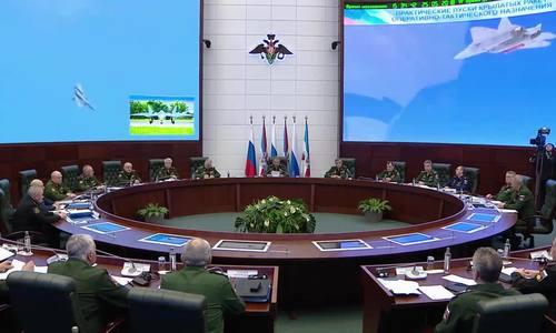 Nga hé lộ video tiêm kích Su-57 phóng tên lửa tàng hình