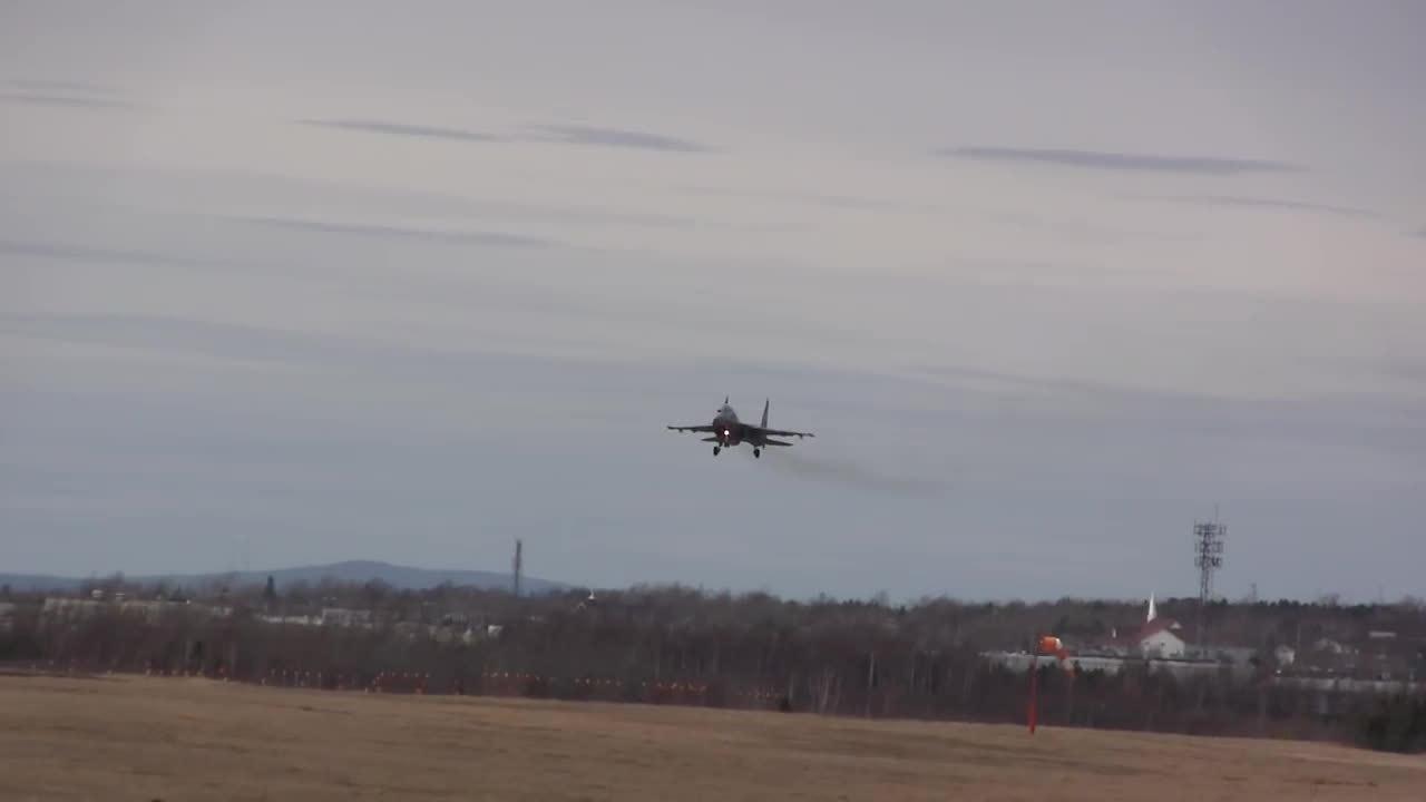 Điểm yếu khiến tiêm kích tàng hình Trung Quốc bị Su-30 phát hiện
