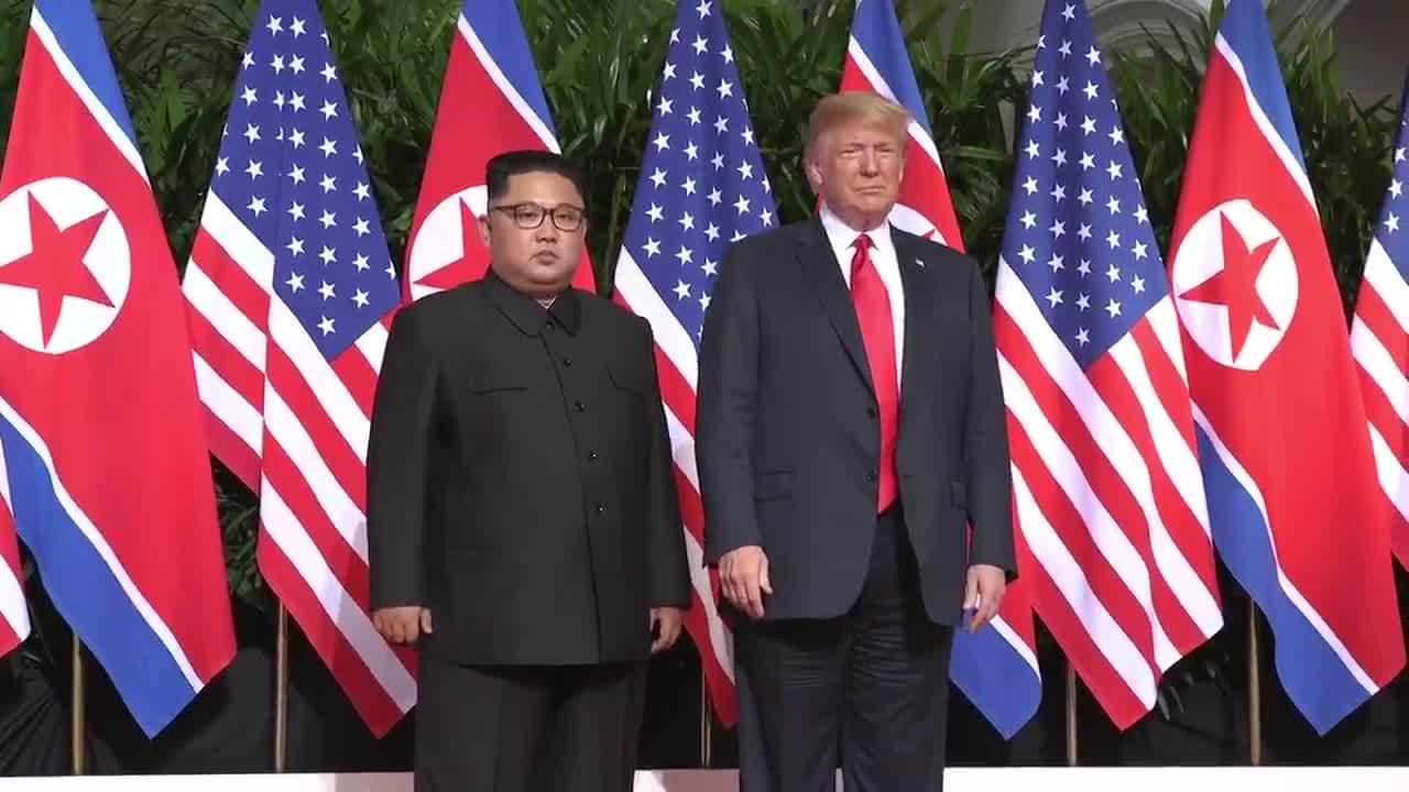Trump đăng video cuộc gặp với Kim Jong-un lên mạng xã hội