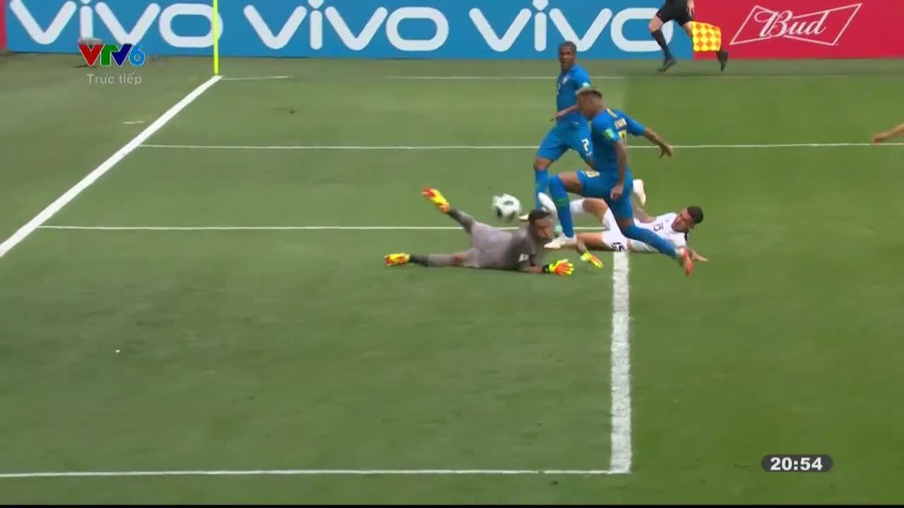 Vì sao Neymar đi vớ rách khiBrazil gặp Costa Rica?