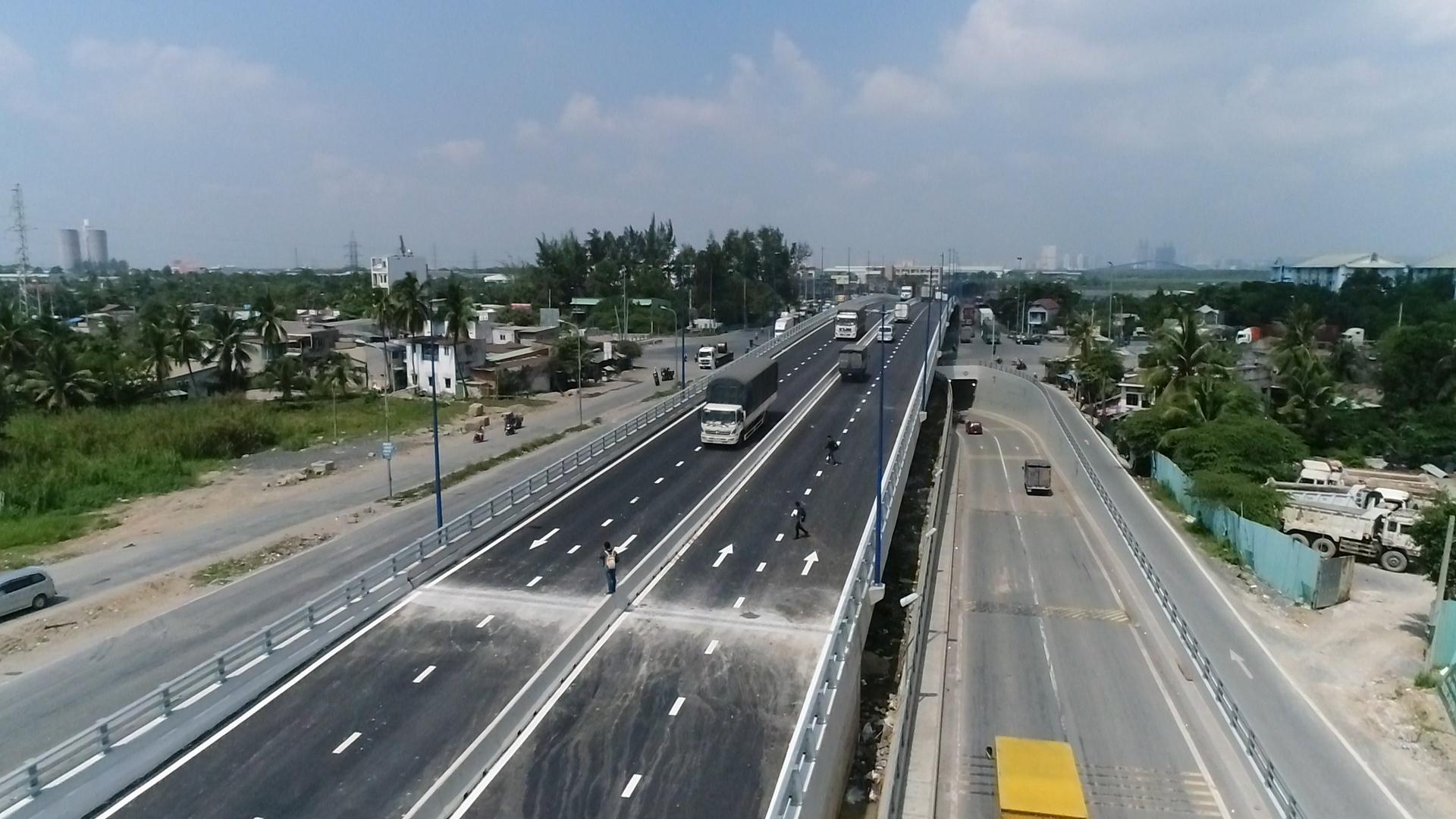 Cầu vượt Mỹ Thủy chính thức thông xe