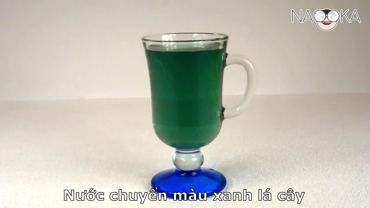 Một chất lỏng có thể đổi màu ba lần không?