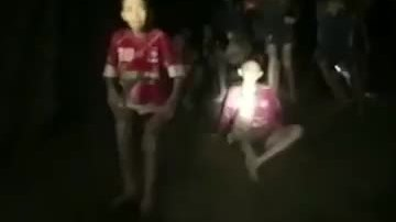 Khoảnh khắc tìm thấy đội bóng Thái Lan trong hang