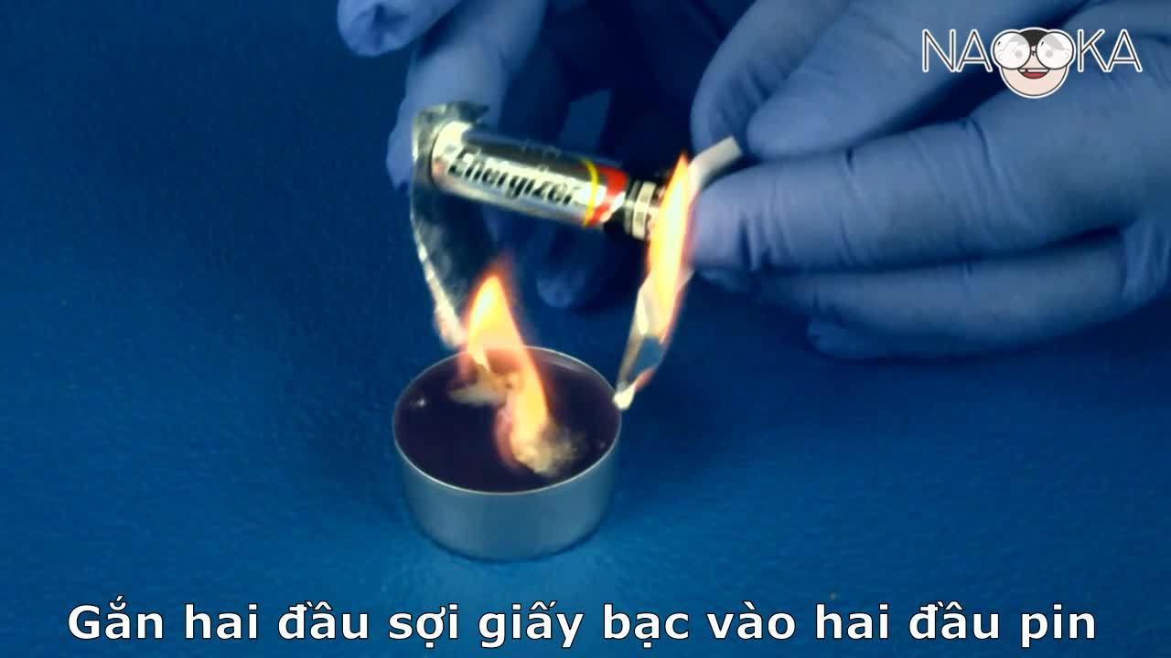 Làm thế nào để tạo lửa từ pin và giấy bạc?