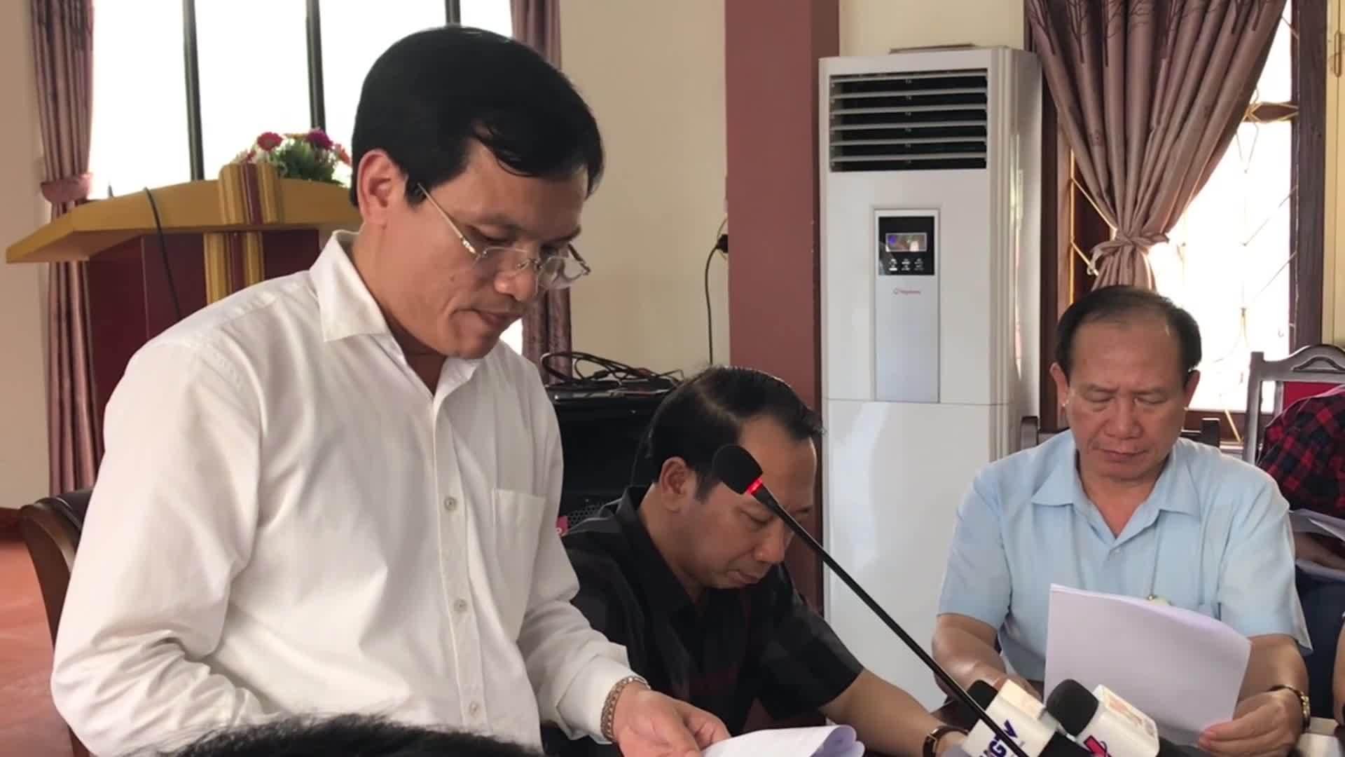 Ông Mai Văn Trinh đọc báo cáo sai phạm về điểm thi