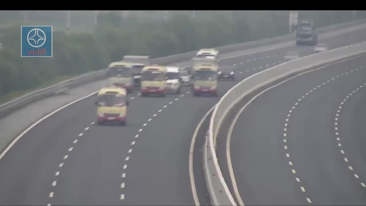 3 ôtô khách dàn ngang trên cao tốc Hà Nội - Hải Phòng để làm gì?