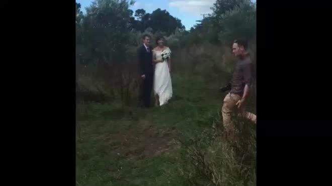 Thợ chụp ảnh cưới 'chất nhất hệ mặt trời'