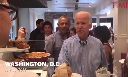 Cựu phó tổng thống Mỹ Biden hội ngộ sếp cũ Obama tại tiệm bánh