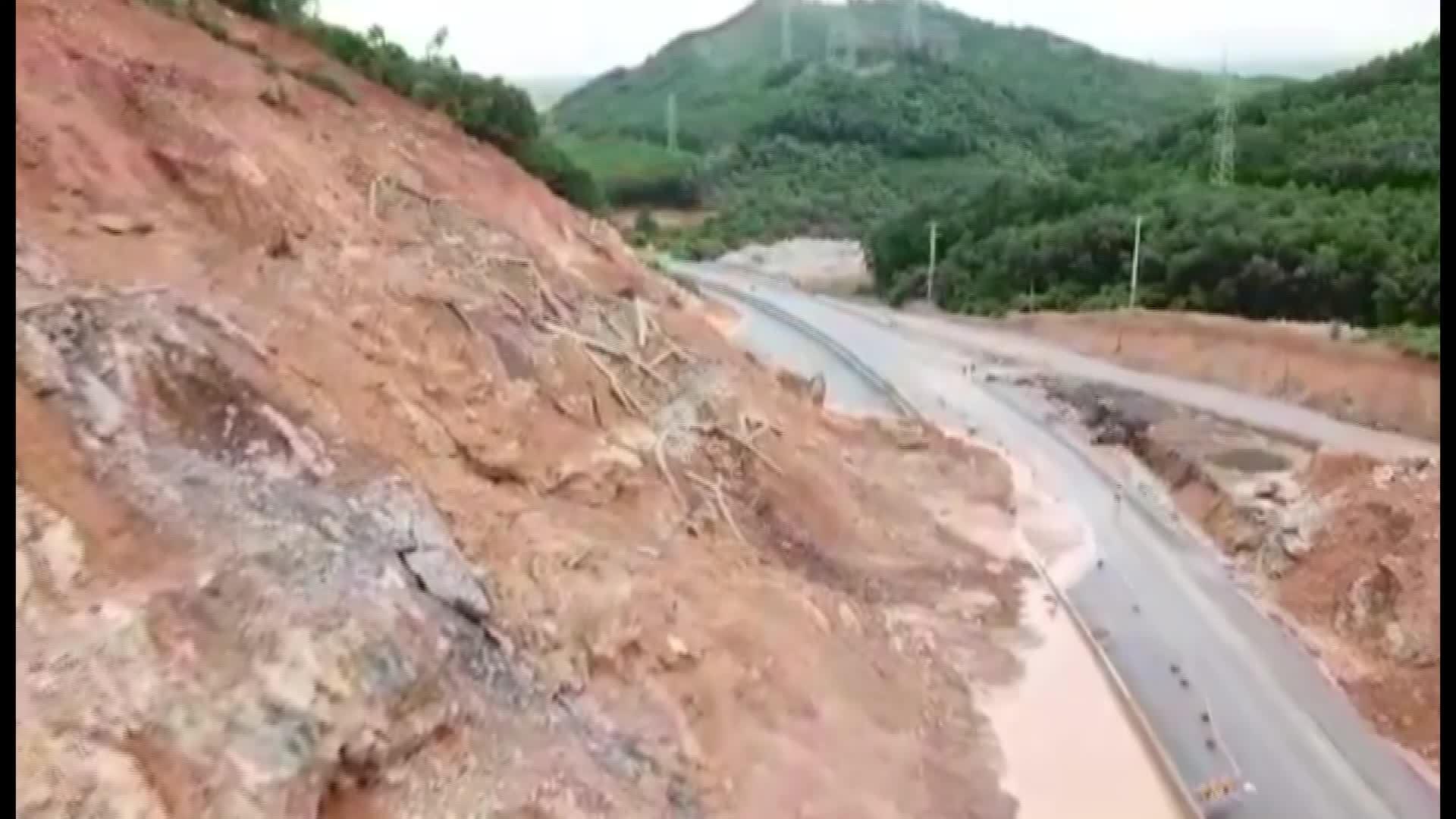 Cao tốc 12 nghìn tỷ ở Quảng Ninh tiếp tục sạt lở