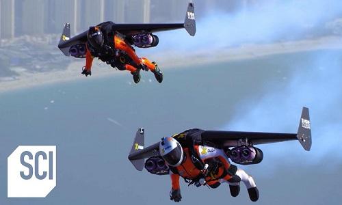Đôi cánh phản lực giúp con người bay lượn như chim