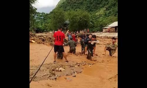 Huyện biên giới Thanh Hoá nguy cơ thiếu lương thực do lũ cô lập