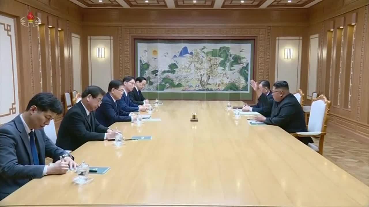 Lãnh đạo Triều Tiên làm việc với phái đoàn Hàn Quốc ở Bình Nhưỡng