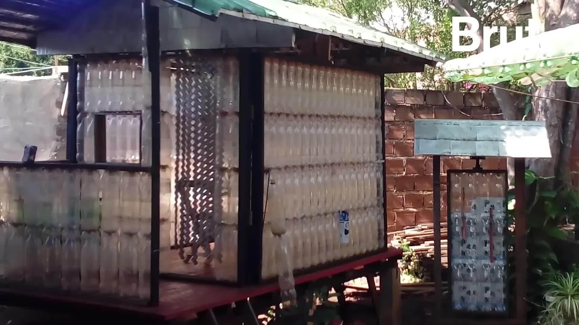 Nhà ở được làm hoàn toàn từ rác thải tái chế ở Argentina