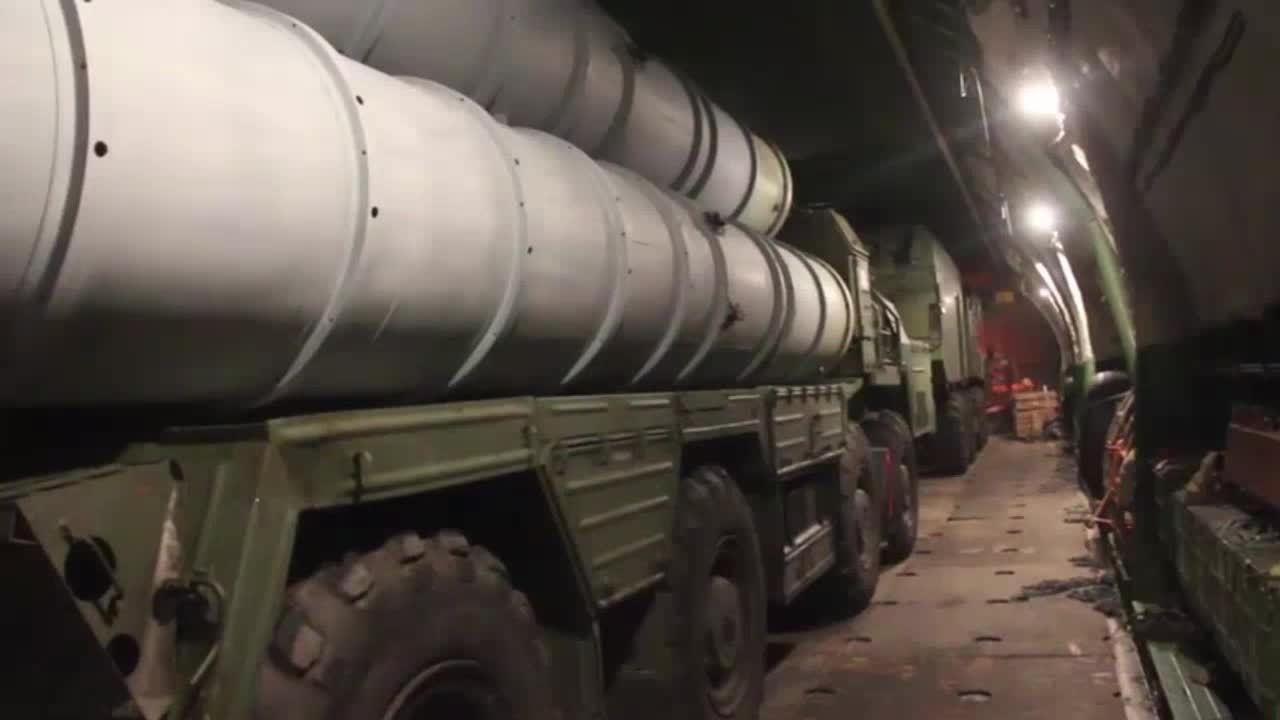 Nga công bố hình ảnh bàn giao tên lửa S-300 cho Syria