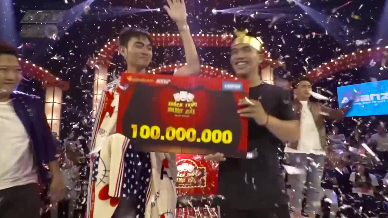 Hai chàng trai 'hôn nhau' ẵm 100 triệu đồng của Thách thức danh hài
