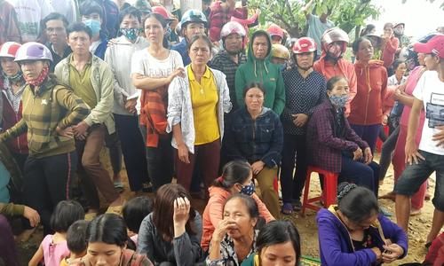 Gia đình 4 người ở Hà Tĩnh chết trong tư thế treo cổ