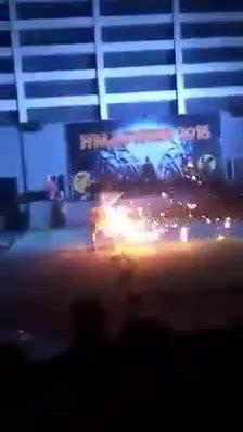 Bùng cháy