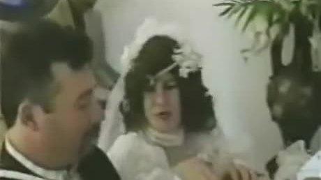 Cô dâu 'muối mặt' vì rơi hàm răng giả trong lễ cưới