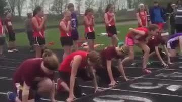 Thiếu nữ ngã sấp mặt khi lấy đà chạy đua