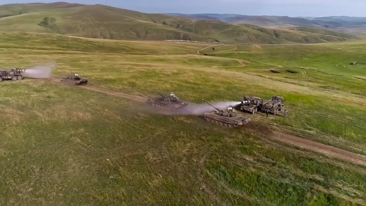 Xe gắn động cơ phản lực chuyên tẩy độc hóa học của Nga