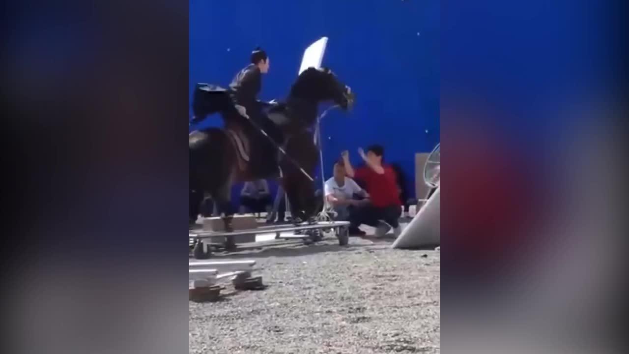 Sự thật cảnh cưỡi ngựa và công thành