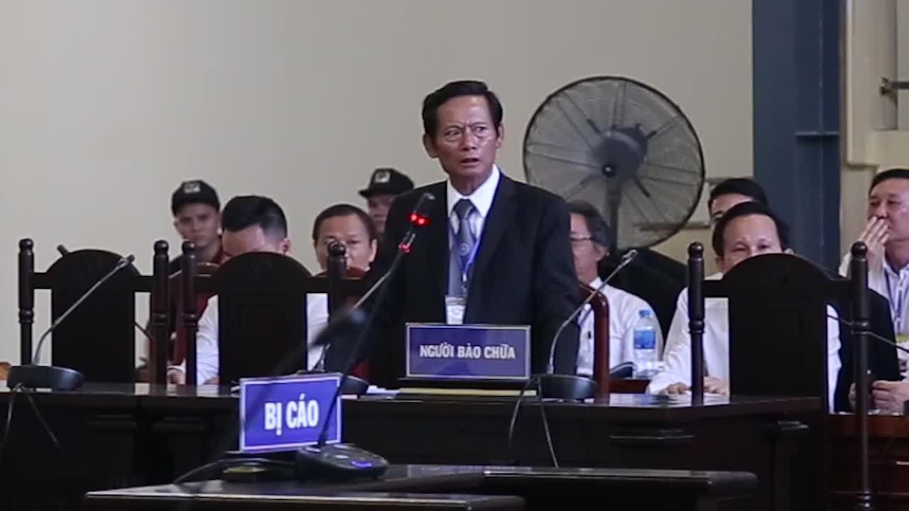Luật sư Phan Trung Hoài trình bày bài bào chữa