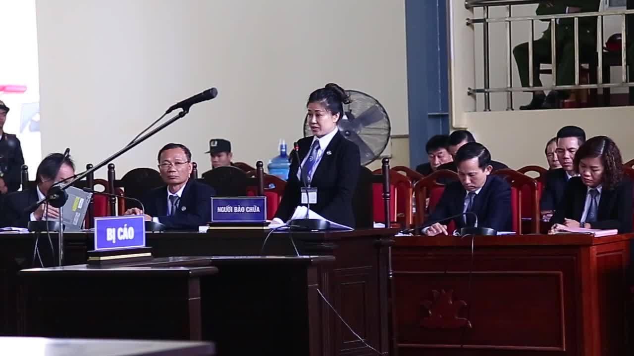 Luật sư Nguyễn Thị Huyền Trang bào chữa cho ông Hoá