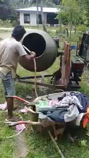 Máy giặt siêu xịn của thợ xây