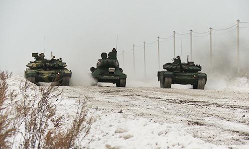 Huyền thoại T-34 đua tốc độ với T-72, T-90 dưới trời âm 20 độ C