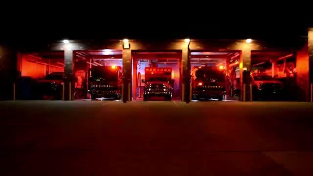 Sở Cứu hỏa Mỹ làm nhạc Giáng sinh bằng đèn xe chữa cháy