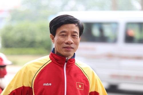 Bố Ngọc Hải, Trọng Hoàng vượt 300km ra Mỹ Đình cổ vũ con trai