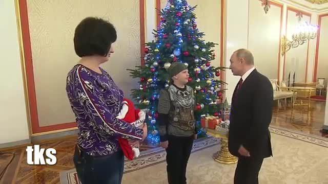 Putin mời cậu bé mắc bệnh hiểm nghèo thăm Điện Kremlin