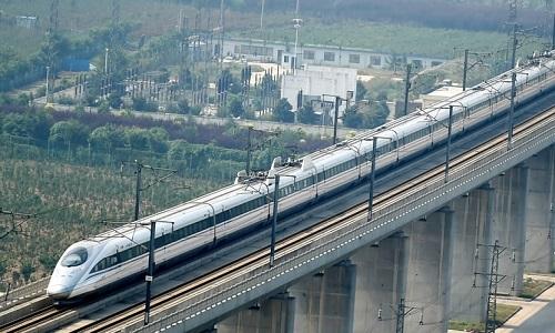 Trung Quốc phát triển tàu cao tốc tự động có thể chạy 350 km/h