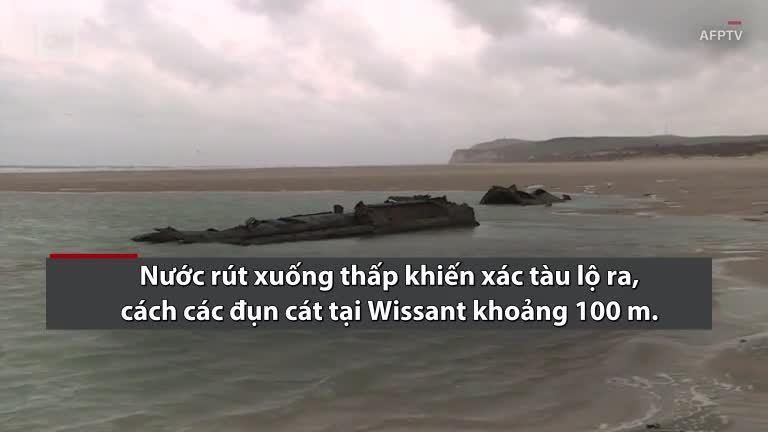 Xác tàu ngầm Đức hơn 100 năm tuổi phát lộ trên bãi biển