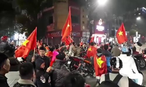 Video Cổ động ăn mừng Việt Nam chiến thắng trên Phố Huế
