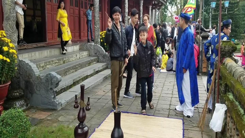 Thú chơi đầu hồ ngày Tết trong hoàng cung xưa triều Nguyễn (Bài Tết)