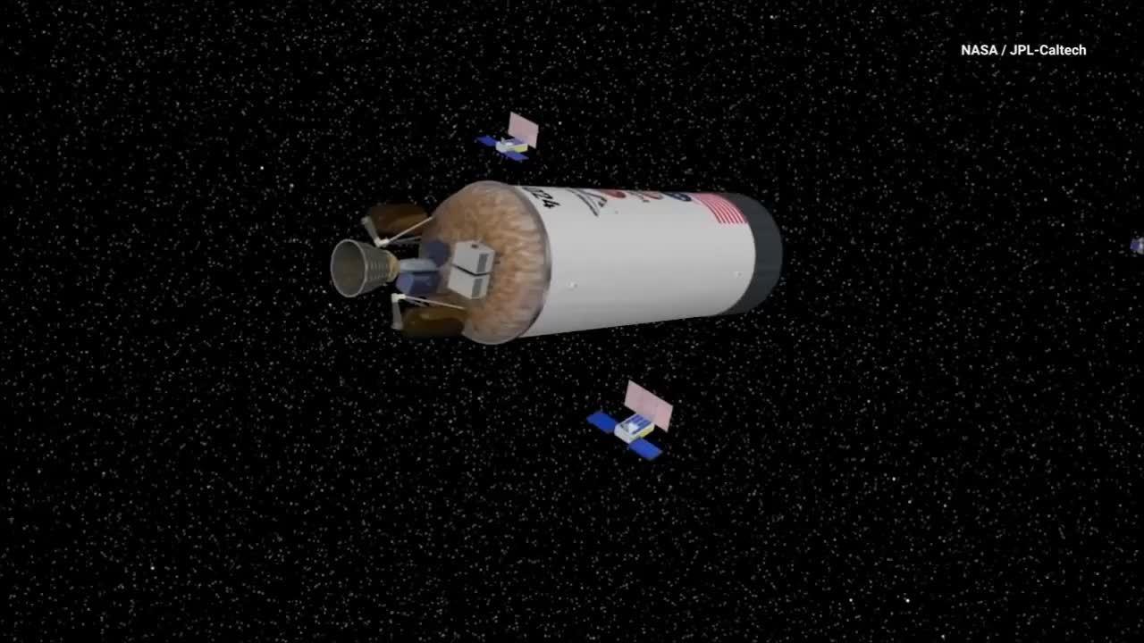 NASA mất liên lạc với bộ đôi tàu vũ trụ mini