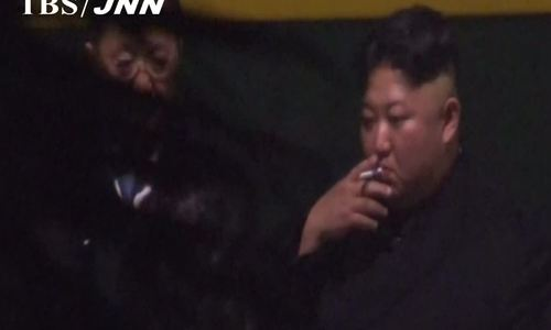 Kim Jong-un nghỉ chân ở ga Nam Ninh trước khi tới Việt Nam