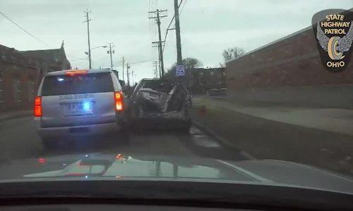 Nữ quái xế Mỹ rượt đuổi với xe cảnh sát cho kịp giờ làm