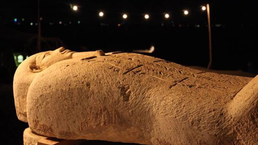 Ai Cập mở nắp quan tài chứa xác ướp hơn 2.500 năm tuổi
