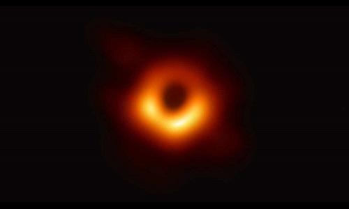 Bức ảnh đầu tiên chụp hố đen trong vũ trụ