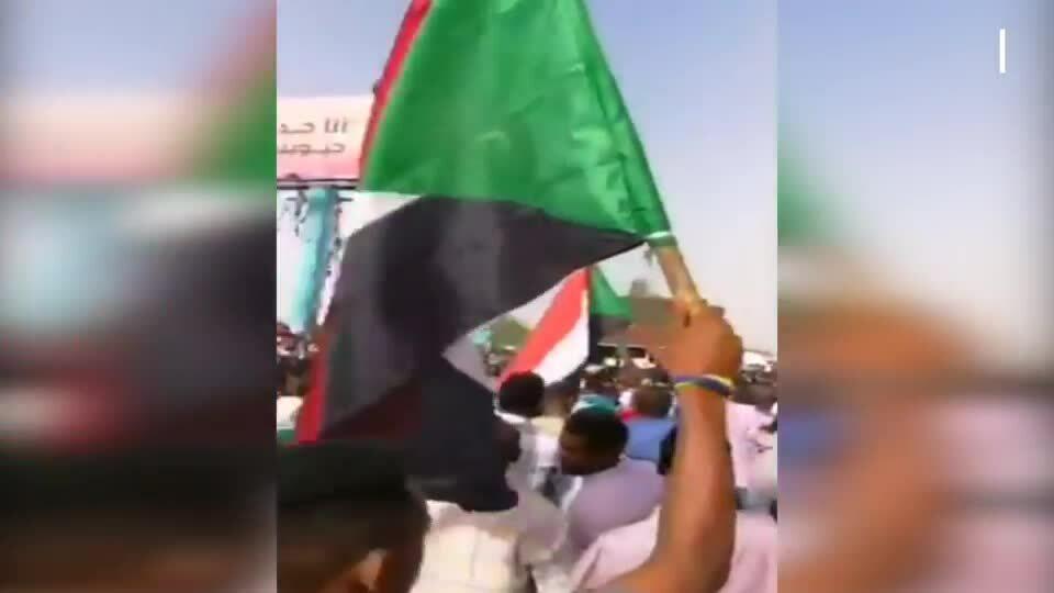 Quân đội Sudan đảo chính, bắt giam Tổng thống