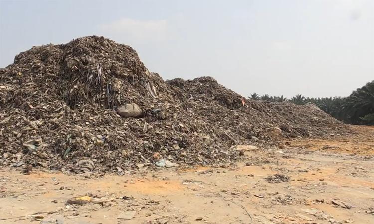 Thị trấn Malaysia ngập rác sau khi Trung Quốc cấm nhập phế liệu