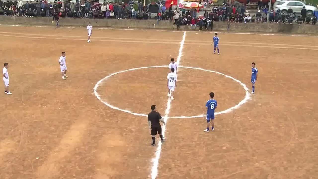 Trận bóng đá đỉnh cao của giải làng