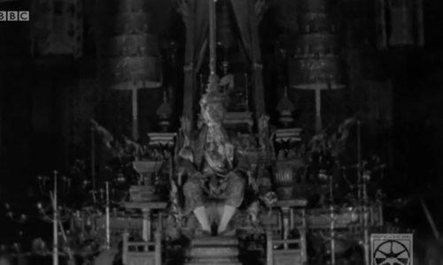 Lễ đăng quang gần 100 năm trước của cố vương Thái Lan
