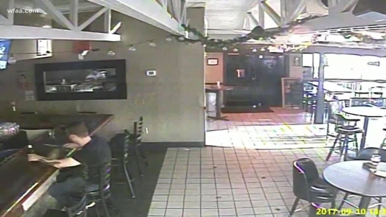 Bartender bị bắt vì bán rượu cho kẻ xả súng giết 8 người