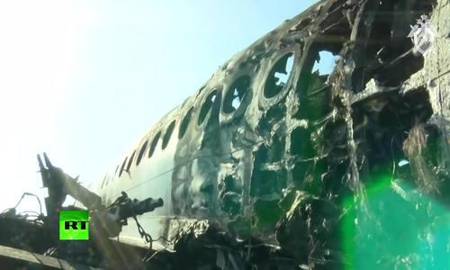 Xác máy bay Nga cháy đen sau tai nạn